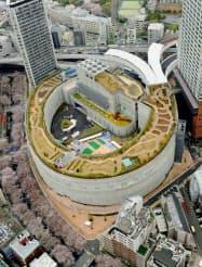 首都高速道路大橋ジャンクションの屋上にオープンした「目黒天空庭園」(30日、東京都目黒区)