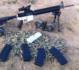 3Dプリンターで作った「レシーバー」と呼ばれる部品を装着したAR-15ライフル。2月に公開されたテスト映像では、600発以上の連射に成功した(Defense Distributed提供)