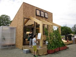YKKAPなどは窓の配置に高低差を付けることで換気を促す住宅を提案