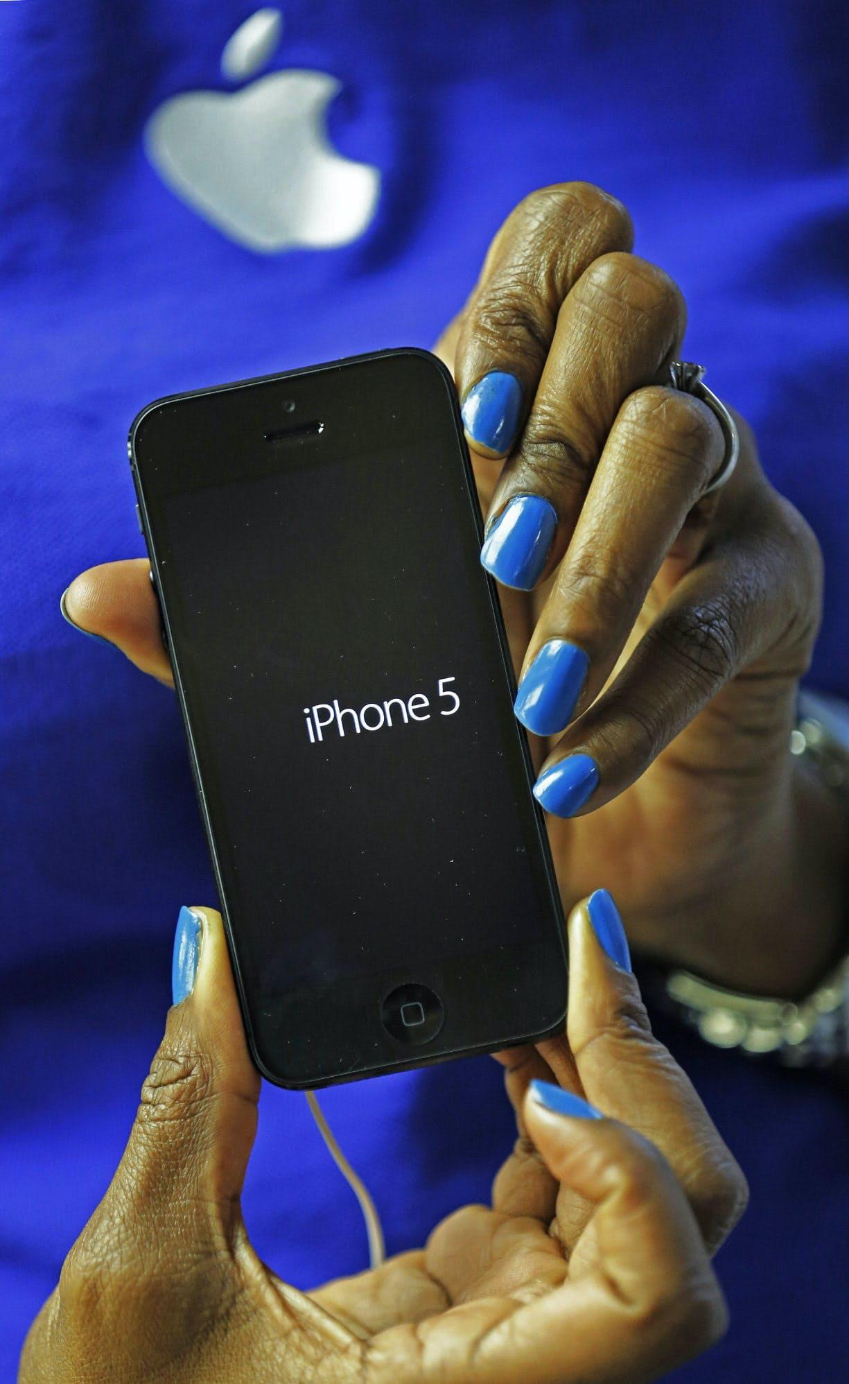 9月に新型の投入が予定されるiPhone5=ロイター
