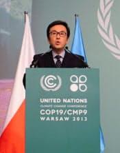 COP19で演説する石原伸晃環境相(20日、ワルシャワ)
