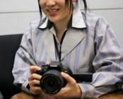 デジタルカメラの設計・開発を担当する上田馨さんによると、「従来機種とすべて同じ、ということはほとんどしない」