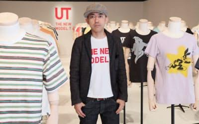 「10年後、UTのTシャツがビンテージになればいいですよね」(UTの2014年春夏物展示会、東京・渋谷)  NIGO(ニゴー) 1970年生まれ、群馬県出身。スタイリストなどを経て93年、東京・原宿にストリートファッションブランド「A BATHING APE」を立ち上げて若者が熱狂的に支持、裏原宿系ファッションの先駆けとなる。アートやインテリア、自転車、ビンテージデニムなどのコレクターとしても知られている。現在、自身のブランド「HUMAN MADE」のディレクション、国内外での音楽活動などを手掛け、2013年ユニクロの「UT」クリエイティブ・ディレクターに就任。