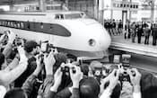 1982年11月5日に大宮駅で開かれた上越新幹線の開業式典。日本各地へ広がる新幹線網は、田中角栄氏の「日本列島改造論」に基本構想が描かれていた