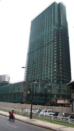 アジア通貨危機で建設が止まったまま放置されたオフィスビル(クアラルンプール市内)