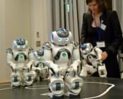 仏アルデバラン・ロボティクスが開発したヒト型ロボット「NAO」