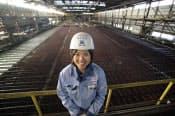 「大きな設備で緻密なことをやっているのが製鉄業の魅力」と語る片山いつかさん