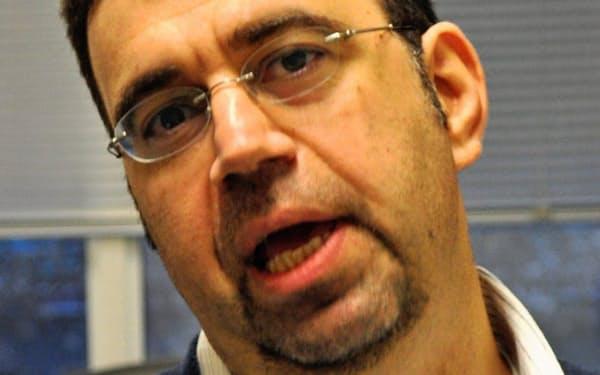 Daron Acemoglu(ダロン・アセモグル) 米マサチューセッツ工科大学教授。ノーベル経済学賞の登竜門とされるジョン・ベイツ・クラーク賞を2005年に受賞。共著に「国家はなぜ衰退するのか」など。トルコ出身。46歳。