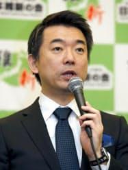 日本維新の会の党大会を終え、記者会見する橋下共同代表(1日、東京都内のホテル)=共同