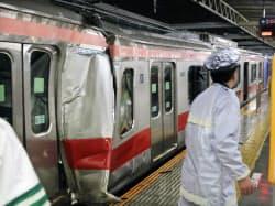 東急東横線・元住吉駅で追突事故。大きく壊れた車両(15日未明、川崎市)