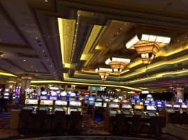 カジノよりイベントの街になったラスベガス。広大なカジノスペースは閑散としている