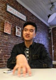 韓国で育ち10歳で米国に移住したカーンジャナプラコーンCEO