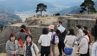 今の竹田城は「天空の城」として人気だ(兵庫県朝来市)