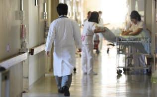 国内のがん治療費は過去10年で約1兆円増えた