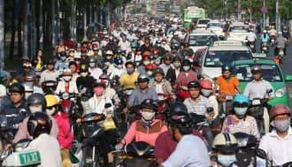 市内を走るバイク(ベトナム・ホーチミン)