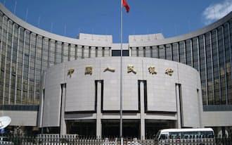 中国は外貨準備の半分相当を米国債で運用しているというが……(写真は北京市の中国人民銀行)