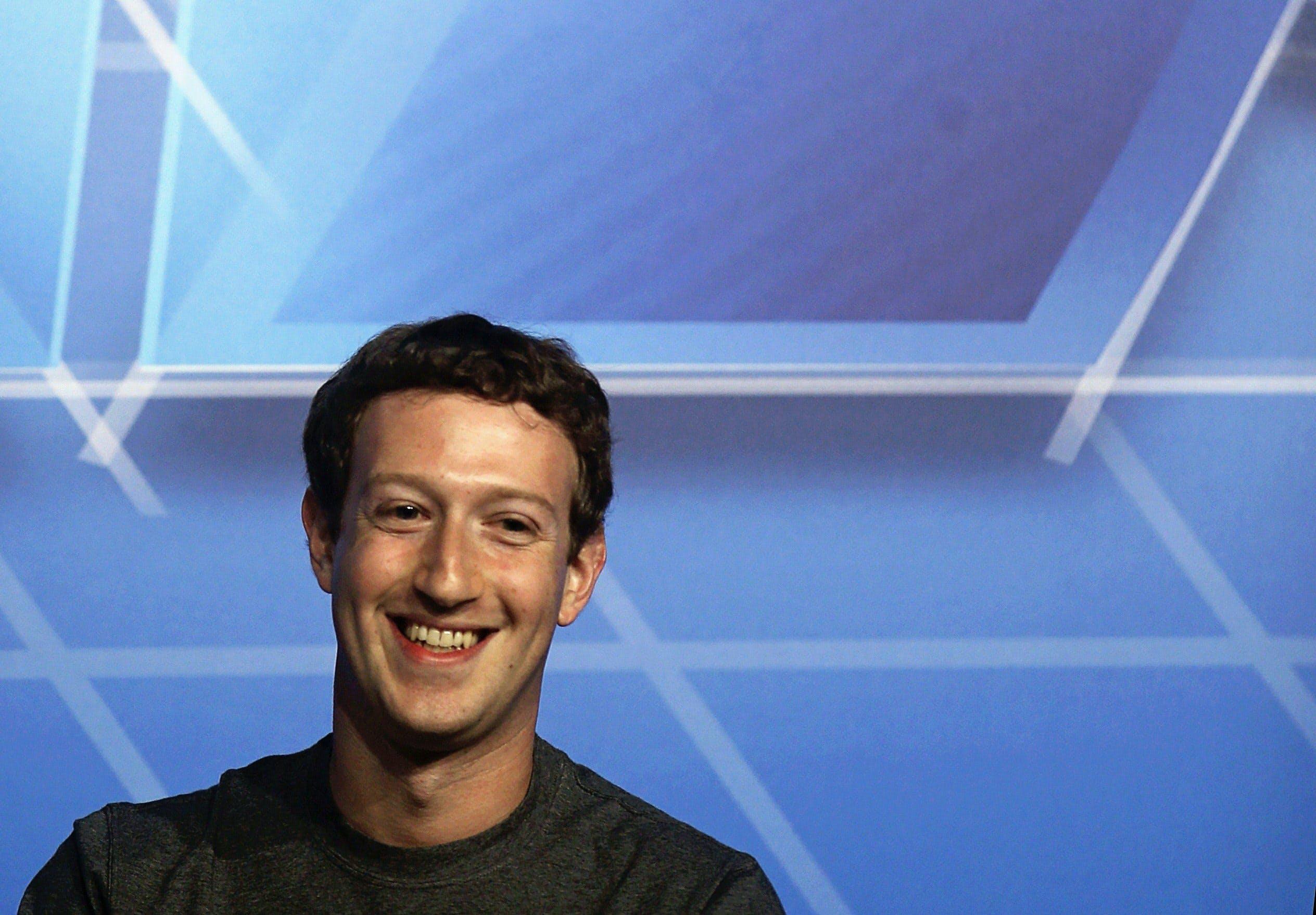 フェイスブックのザッカーバーグCEOは去年のランキングで首位だった。写真は2月にバルセロナで開催されたワールド・モバイル・コングレスで=ロイター