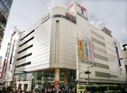ヤマダ電機は電子書籍サイトを巡り、ネットで批判を浴びた(東京都豊島区のLABI1日本総本店池袋)