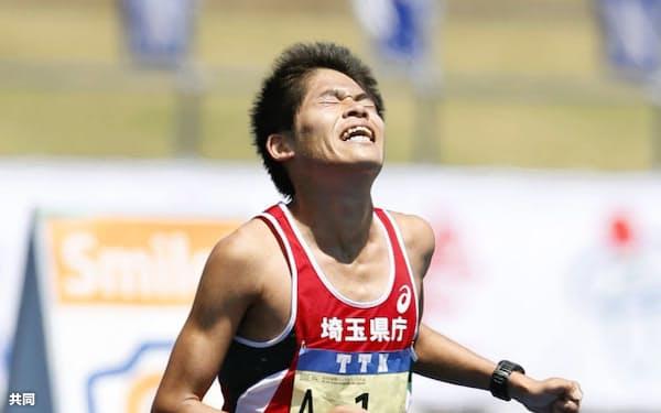 仙台国際ハーフマラソンが行われ、川内優輝(埼玉県庁)は1時間3分23秒で日本勢2番目の4位だった(11日、仙台市陸上競技場)=共同