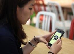 韓国で「カカオトーク」は圧倒的な存在感を持つが、最近は「LINE」も伸長している。