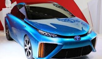 トヨタが「福岡モーターショー2014」に出展した燃料電池自動車(FCV)「FCVコンセプト」