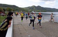 マラソンコースは洞爺湖を反時計回りに1周する