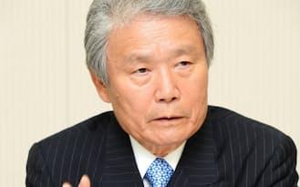 経団連の榊原新会長は「法人税は来年度には具体的な引き下げを」と強調した