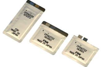 FDKが開発した薄型リチウム電池。ビーコンをポスターの裏に仕込むといった際に活用できる