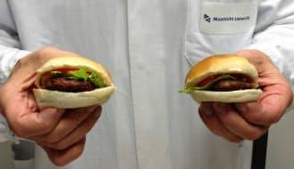 培養肉で作ったハンバーガー=マーク・ポスト教授提供