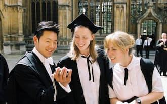 米英独仏豪の留学受け入れシェアが低下し、新興国が台頭している(英オックスフォード大)