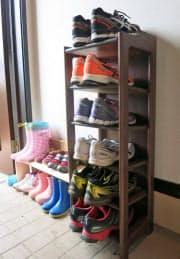 縦長の靴収納棚で玄関すっきり