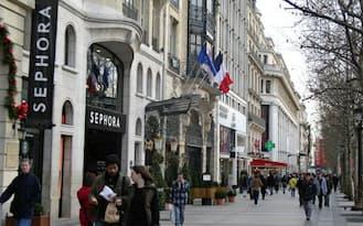 中国の開源HDはシャンゼリゼの高級ホテル買収で、パリを訪れる中国人客の取り込みを狙う