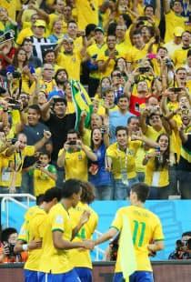 国民の期待はブラジル代表にとって、力にもなり重圧にもなる=写真 上間孝司