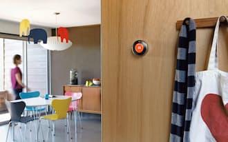「ネスト」はAIが利用者の生活パターンを把握して室内の温度を適温に自動設定する