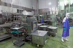 生産が停止した「上海福喜食品有限公司」の工場(20日、上海市)=新華社共同