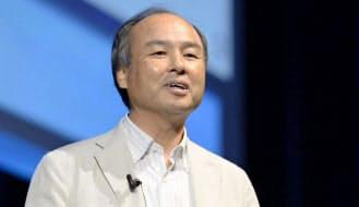 米スプリント買収について講演で語るソフトバンクの孫正義社長(2013年7月23日、東京都内)=共同