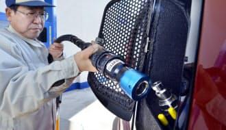 燃料電池車の普及には水素ステーションの増設が欠かせない