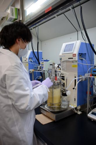 再生医療などに事業を拡大している(神奈川県の富士フイルム先進研究所)