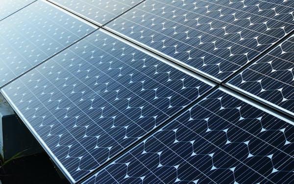 生み出した電気から環境に優しい「非化石」であることの価値を分離、売買する(写真は神奈川県藤沢市の太陽光パネル)