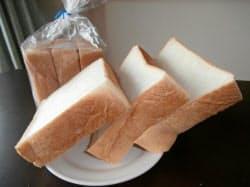 厚さが40ミリ近い千寿堂の3枚切り食パン