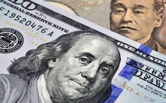 16年末には円相場が125円まで下落するとの予測も