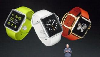 9日の新製品発表会で腕時計型端末「アップルウオッチ」を発表したクックCEO(米クパチーノ市)。
