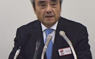 決算発表するセブン&アイ・ホールディングスの村田社長(2日、東証)