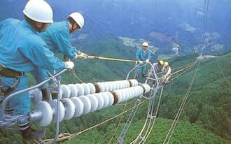 中国電力の送電線工事