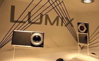 パナソニックの「ルミックスDMC-CM1」は4K動画も撮影できるスマホ型デジカメだ