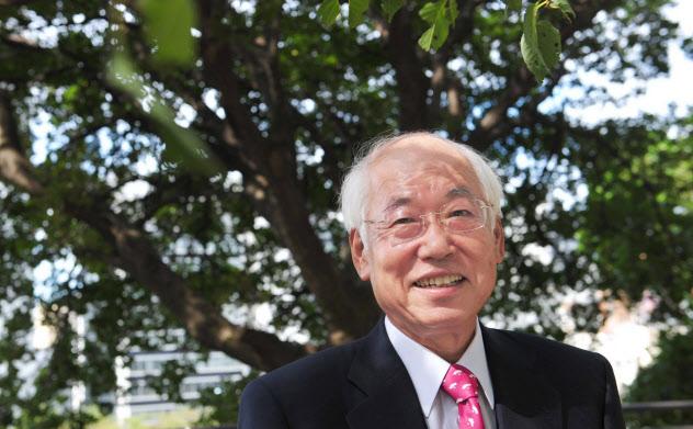 鈴木幸一(すずき・こういち)1946年9月生まれ。国内インターネットサービスの草分け。インターネットイニシアティブ(IIJ)を設立し、郵政省(現総務省)との激しいやりとりの末、93年にネット接続サービスを開始。後に続くネット企業に道をひらいた業界の重鎮。酒、音楽と読書を愛し、毎春、東京・上野で音楽祭を開催する。近著に「日本インターネット書紀」がある。