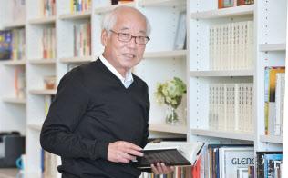鈴木幸一(すずき・こういち)1946年9月生まれ。国内インターネットサービスの草分け。インターネットイニシアティブ(IIJ)を設立し、郵政省(現総務省)との激しいやりとりの末、93年にネット接続サービスを開始。後に続くネット企業に道をひらいた業界の重鎮。酒、タバコ、音楽と読書を愛し、毎春、東京・上野で音楽祭を開催する。近著に「日本インターネット書紀」がある。