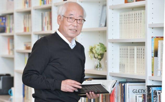 鈴木幸一(すずき・こういち)1946年9月生まれ。国内インターネットサービスの草分け。インターネットイニシアティブ(IIJ)を設立し、郵政省(現総務省)との激しいやりとりの末、93年にネット接続サービスを開始。後に続くネット企業に道をひらいた業界の重鎮。酒と音楽、読書を愛し、毎春、東京・上野で音楽祭を開催する。近著に「日本インターネット書紀」がある。