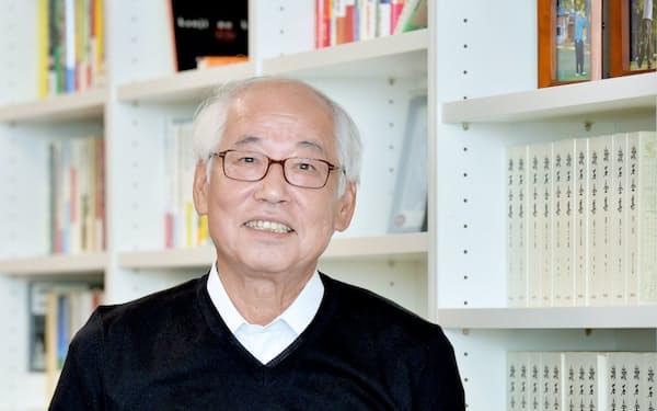 鈴木幸一(すずき・こういち)1946年9月生まれ。国内インターネットサービスの草分け。インターネットイニシアティブ(IIJ)を設立し、郵政省(現総務省)との激しいやりとりの末、93年にネット接続サービスを開始。後に続くネット企業に道をひらいた業界の重鎮。音楽と読書を愛し、毎春、東京・上野で音楽祭を開催する。近著に「日本インターネット書紀」がある。