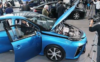 トヨタ自動車が発表した燃料電池車「MIRAI(ミライ)」(18日、東京都江東区)